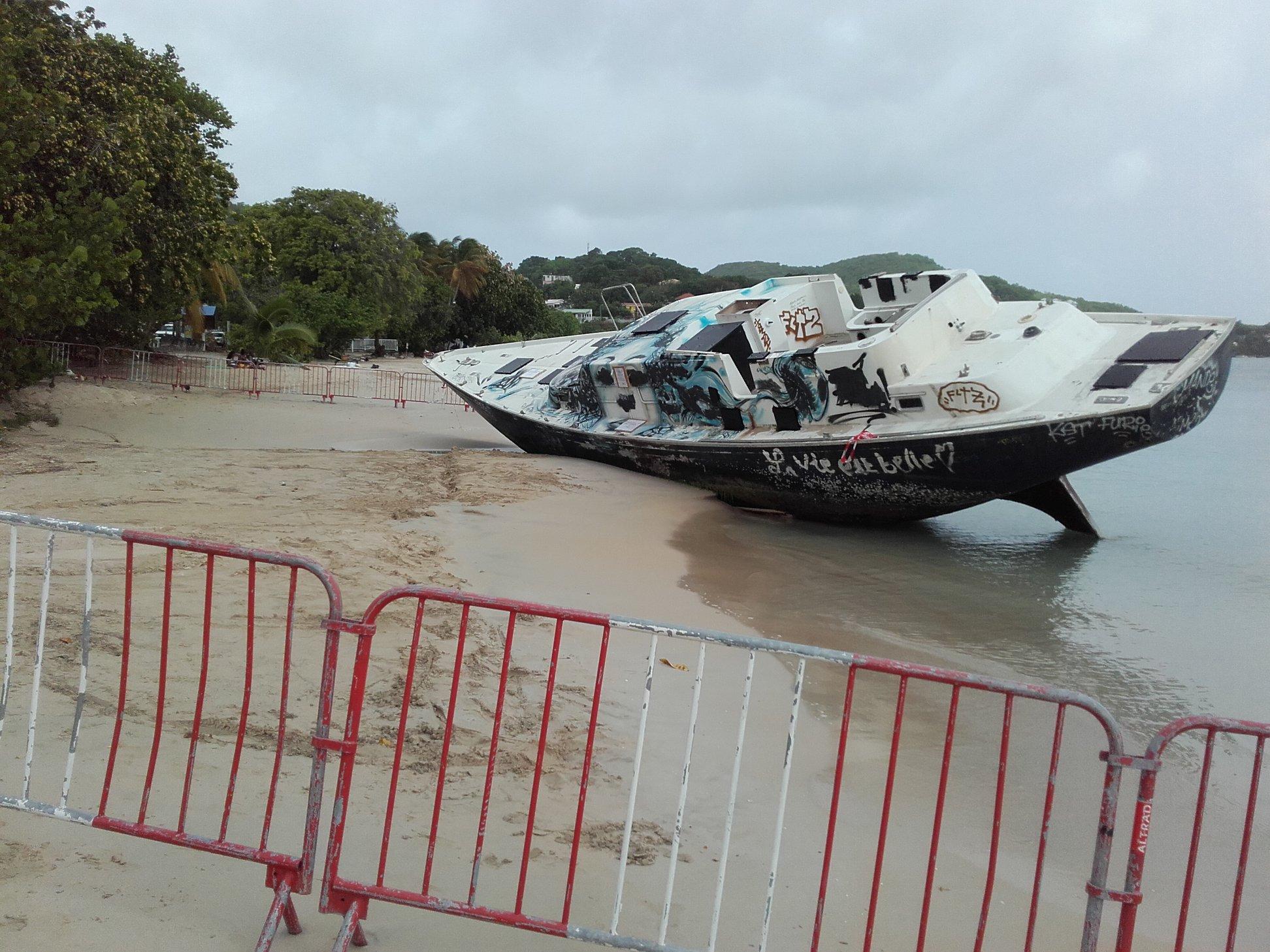 Le voilier Miss Carol sera enfin enlevé de la plage de la Pointe Marin
