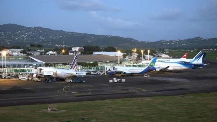 Entre départs et arrivées l'aéroport Aimé Césaire va connaître son 1er gros rush ce week-end