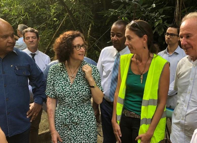 Emmanuelle Wargon en visite à la zone de captation de Beaugendre