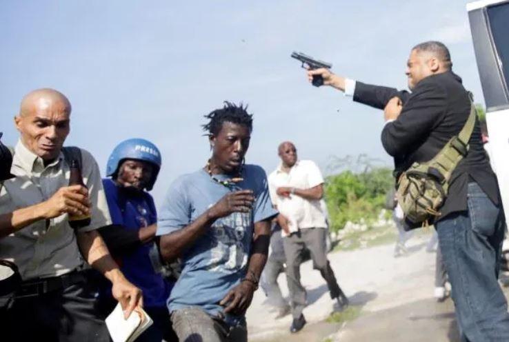 Haïti : un sénateur ouvre le feu et blesse un photographe de presse