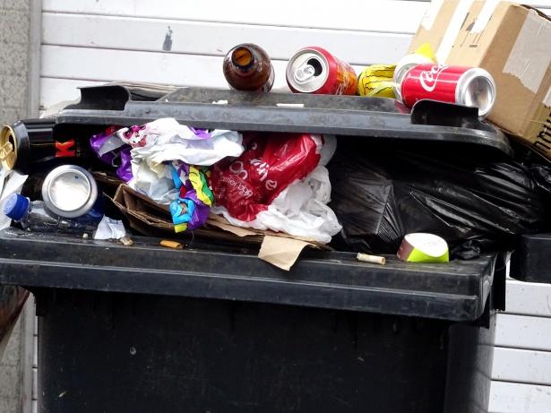 Défaut de collecte d'ordures à Petit-Bourg : à qui la faute ?