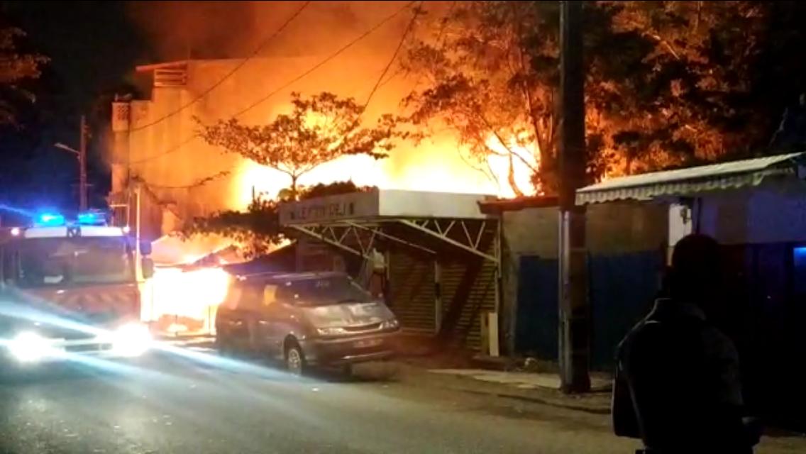Un feu ravage quatre maisons à Pointe-à-Pitre