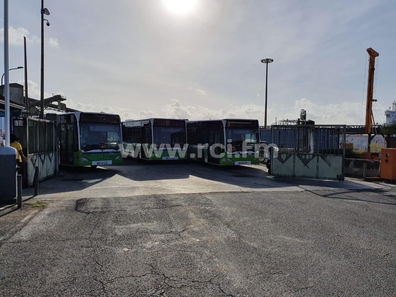 Le port et les accès à la SARA bloqués par les chauffeurs de la CFTU