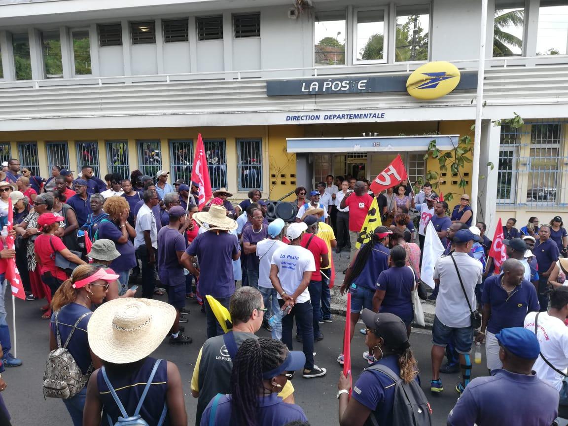 Conflit de la Poste : 250 grévistes dans la rue