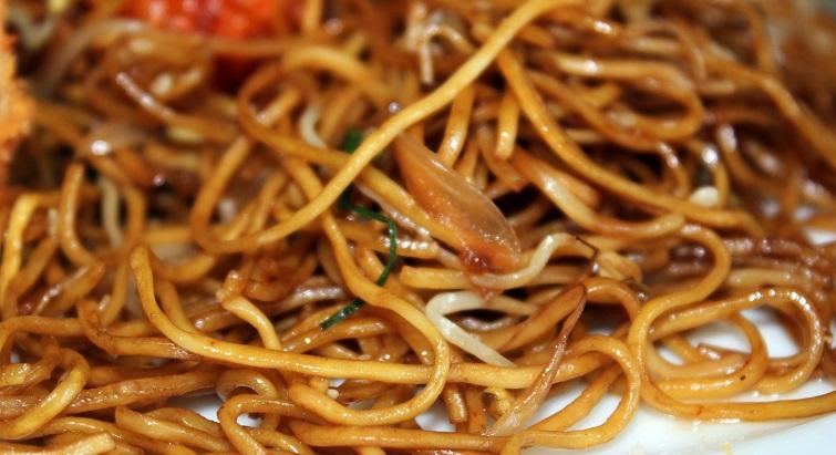Pour le Nouvel an chinois, cuisinez des nouilles sautées