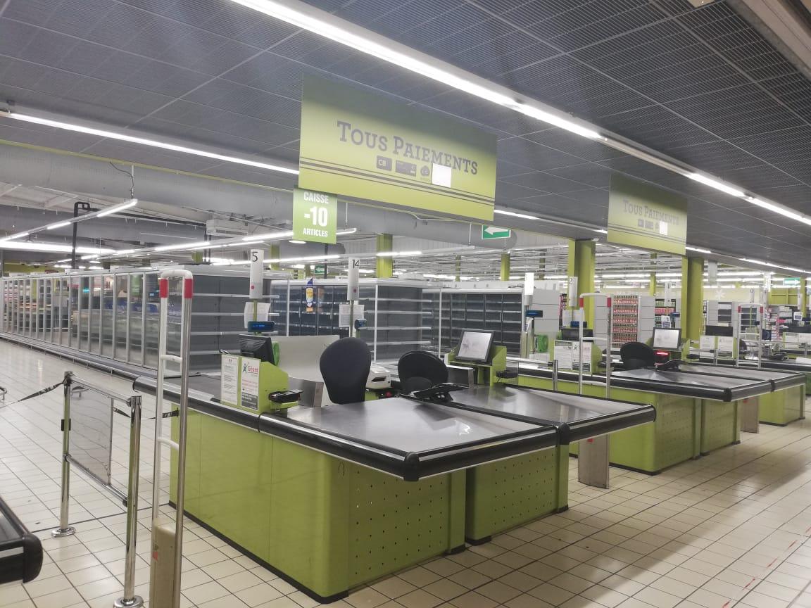 Le personnel de Géant Batelière en grève