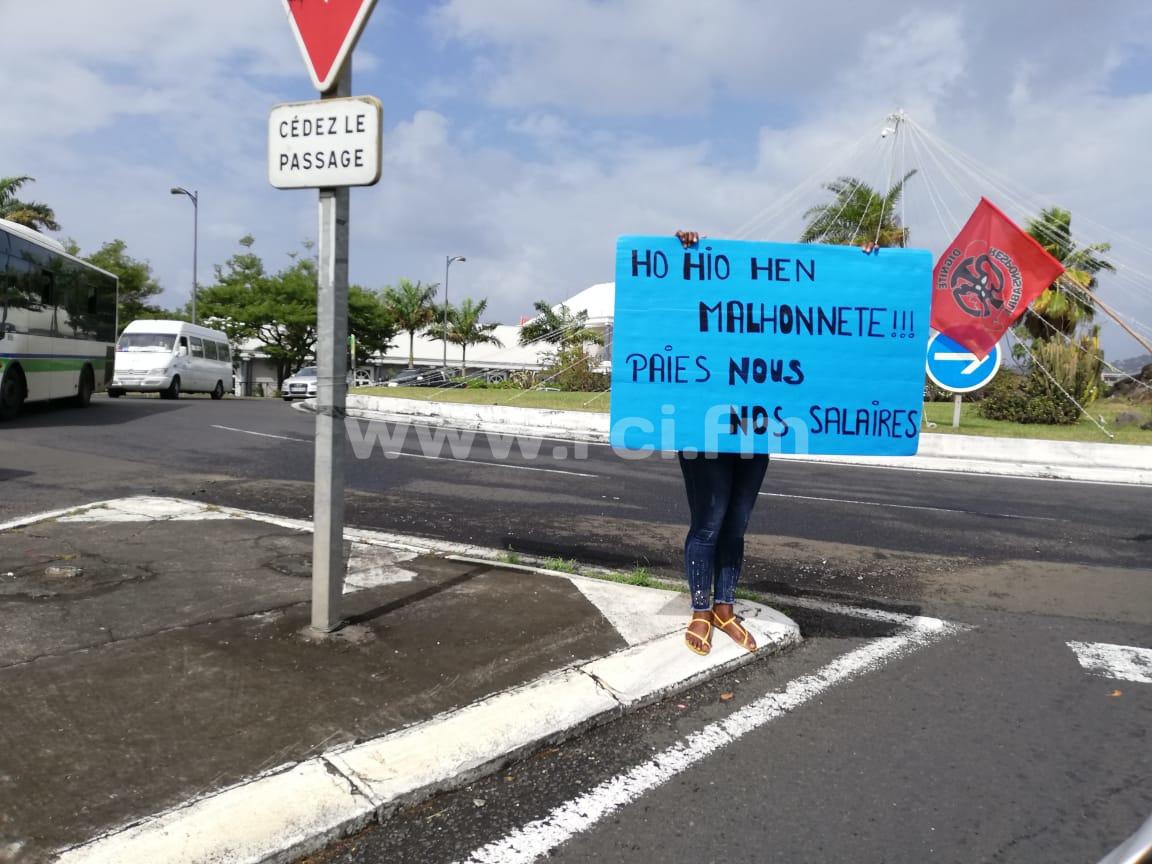 Manifestation des salariés de Géant Batelière dans les rues ce mercredi matin
