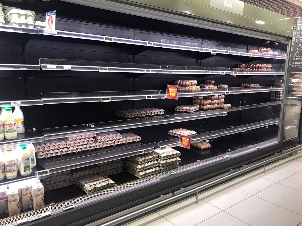 La grève des ports dans l'Hexagone continue de perturber l'approvisionnement des grandes surfaces