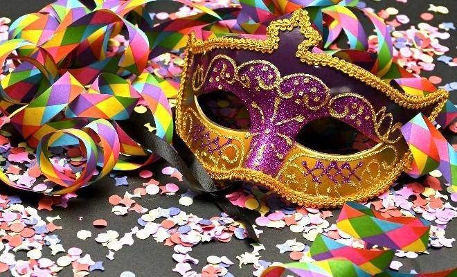Malgré les interdictions, les carnavaliers défient les autorités