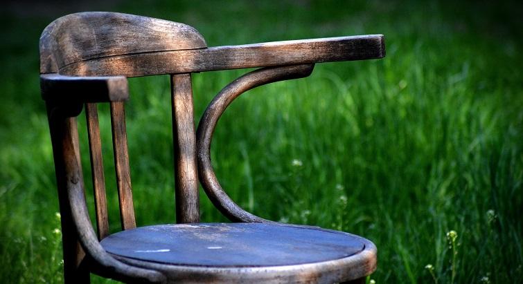Les astuces pour rénover vos vieux meubles