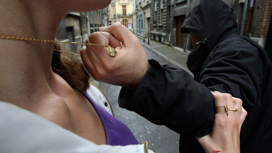 Attention aux vols à l'arraché de bijoux à Pointe-à-Pitre !