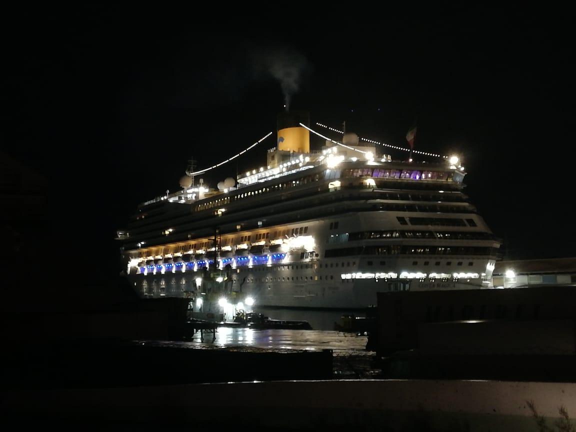 Le Costa-Magica est à quai ce vendredi matin au port de Fort-de-France