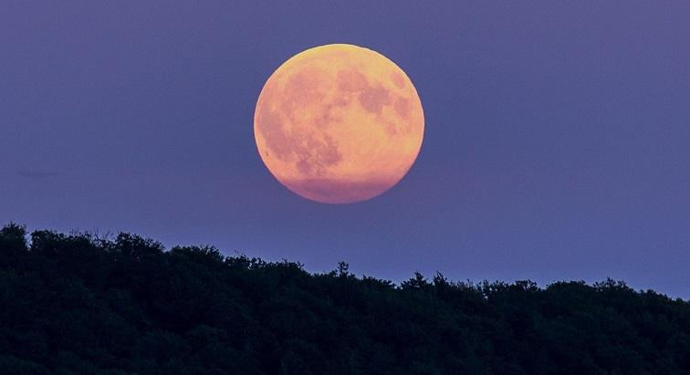 Une Super Lune va illuminer le ciel ce soir