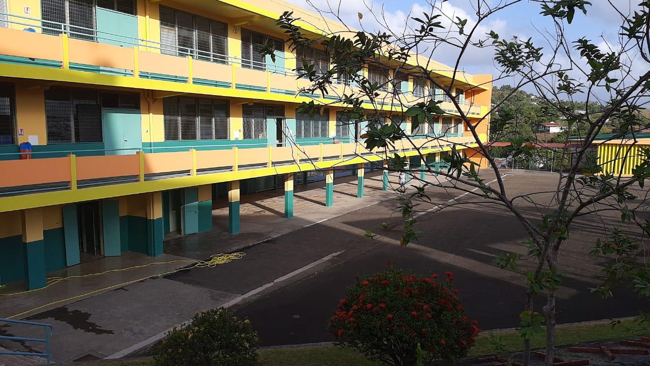 Saint-Esprit : trois écoles fermées les lundi 23 et mardi 24 novembre