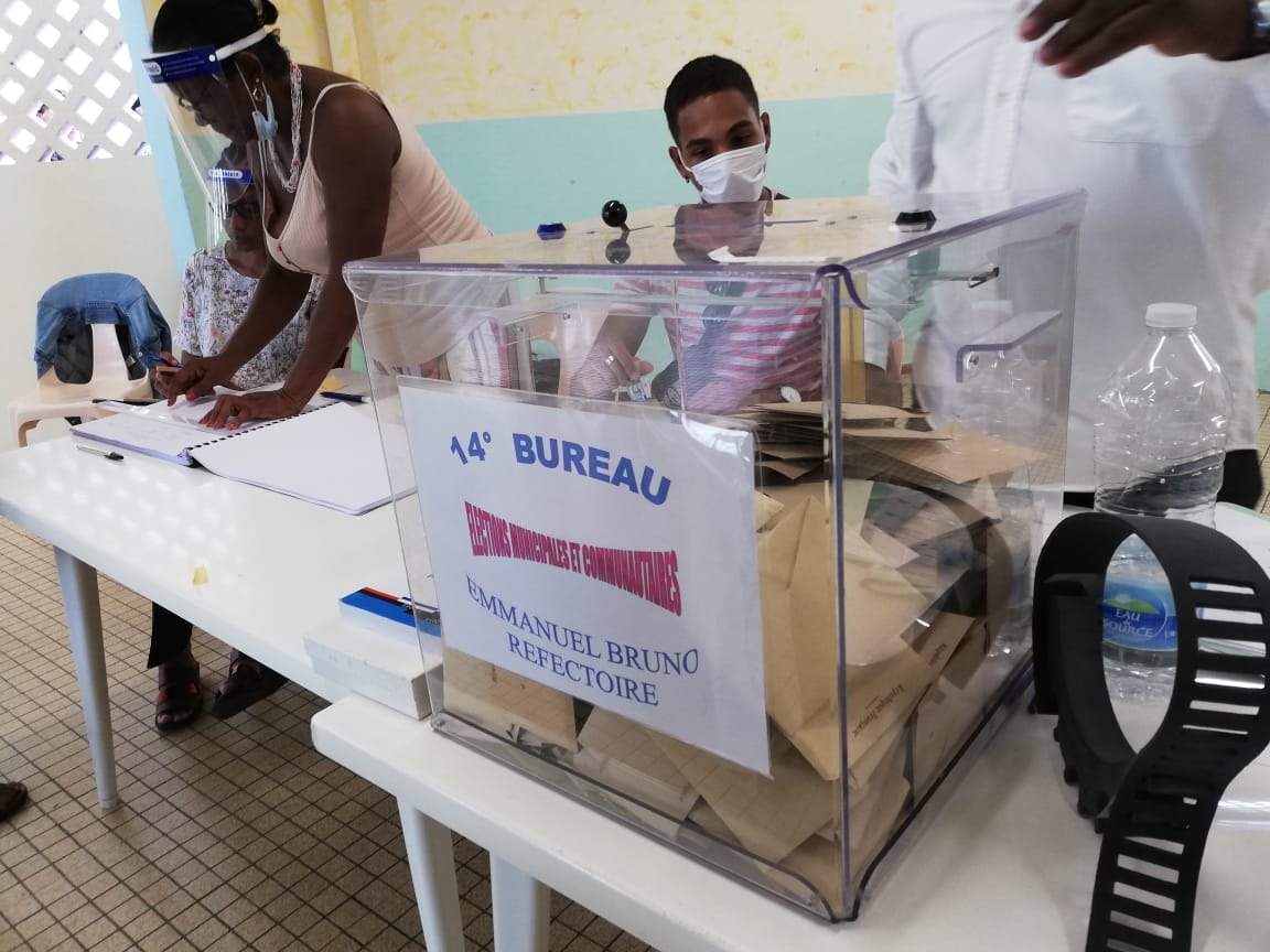Covid-19: les municipalités se préparent à recevoir les électeurs