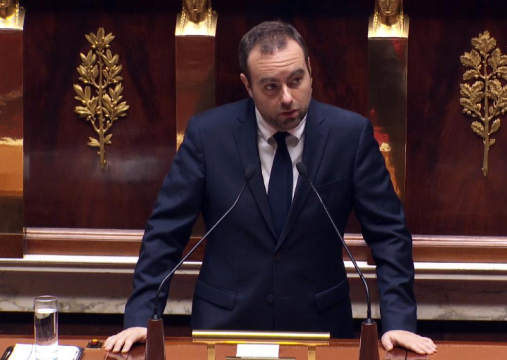 Sébastien Lecornu demande la levée des barrages