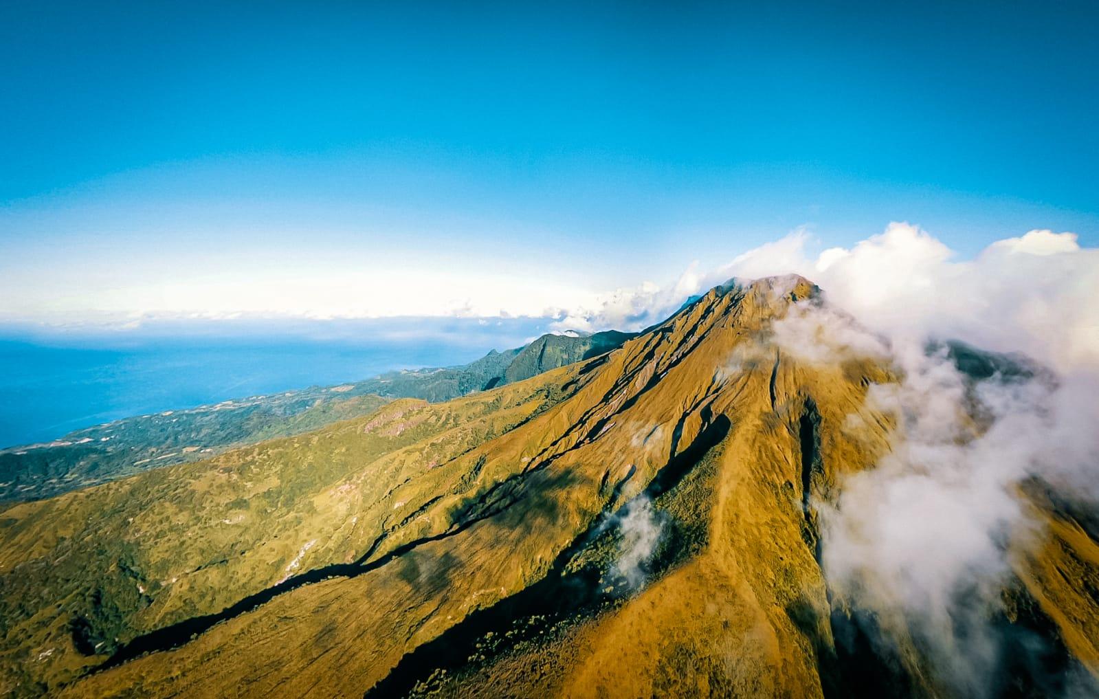 54 séismes volcano-tectoniques sous la Montagne Pelée