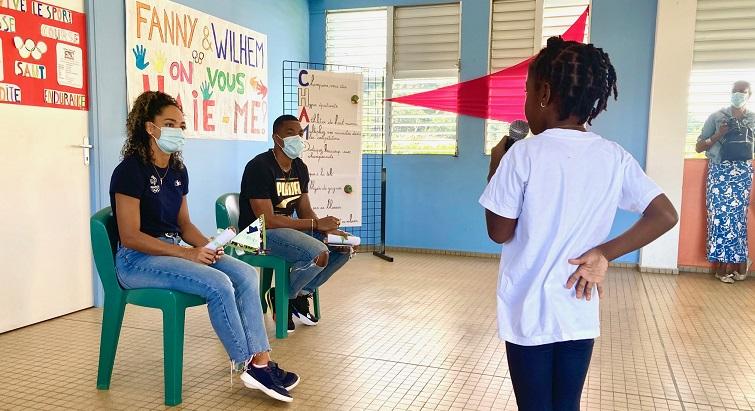 Fanny Quenot et Wilhem Belocian à la rencontre d'élèves guadeloupéens