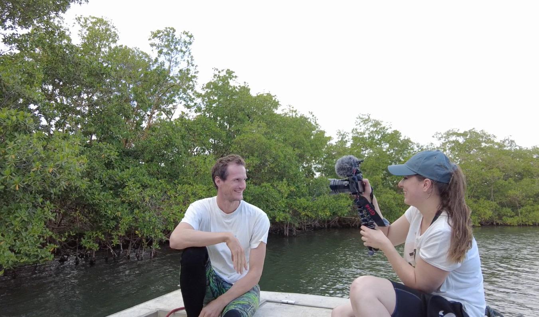 Une youtubeuse filme des écosystèmes de Guadeloupe