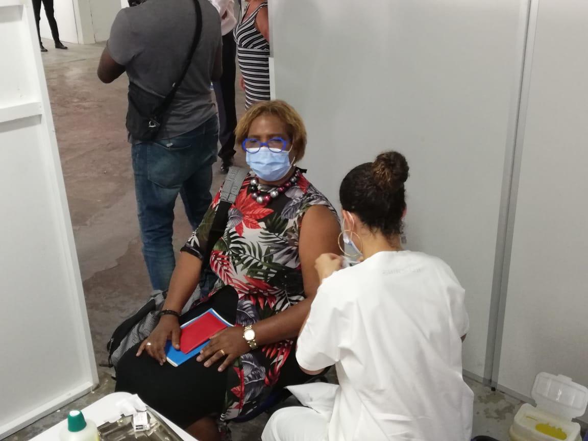 Un centre de vaccination ouvre ses portes au Lamentin