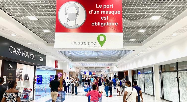 Jour de réouverture au centre commercial Destreland