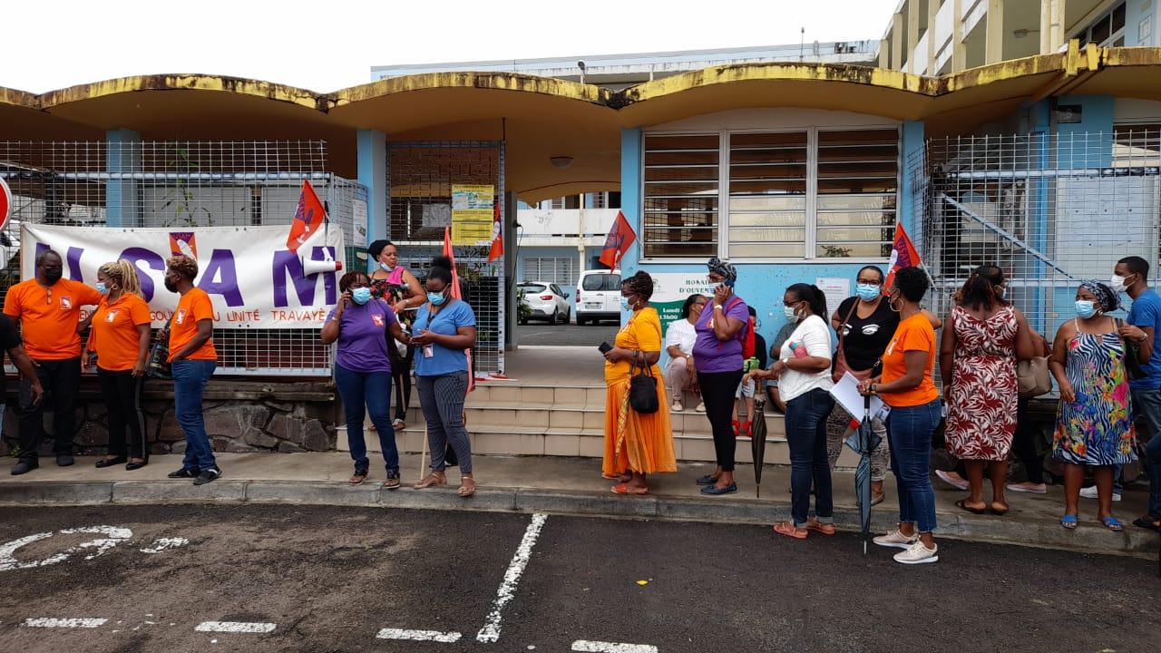 Le mouvement de grève se poursuit à la mairie de Saint-Joseph