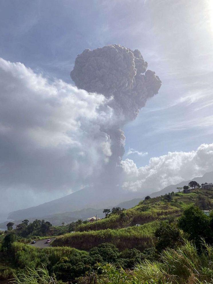 L'aide internationale arrive à Saint Vincent et les Grenadines