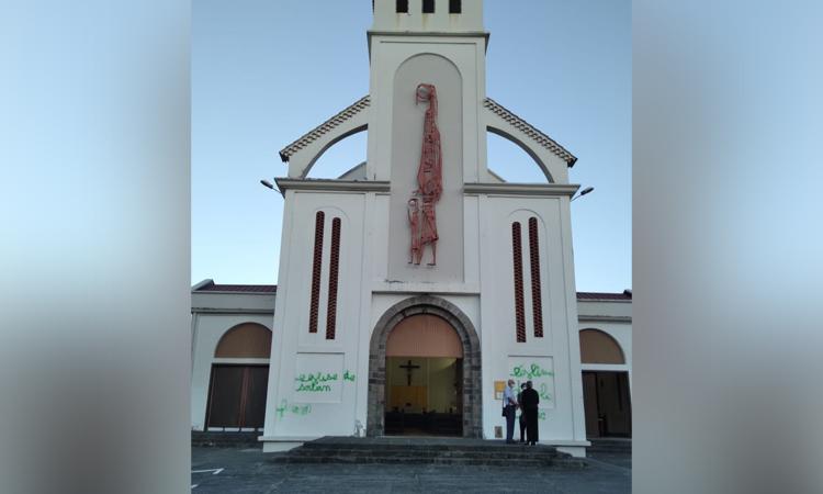 L'église de Bellevue vandalisée par des tags