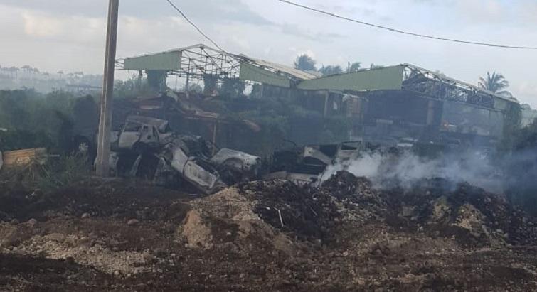 Un incendie majeur a ravagé des centaines de mètres carrés à Capesterre-Belle-Eau