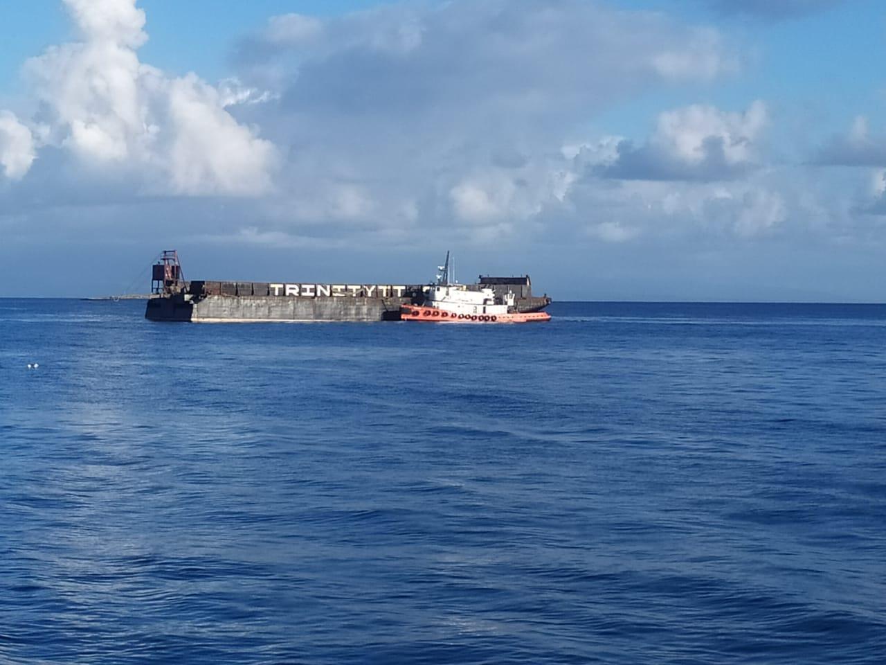 Collision entre un navire Dominicais et la barge de transport des cannes de Marie-Galante
