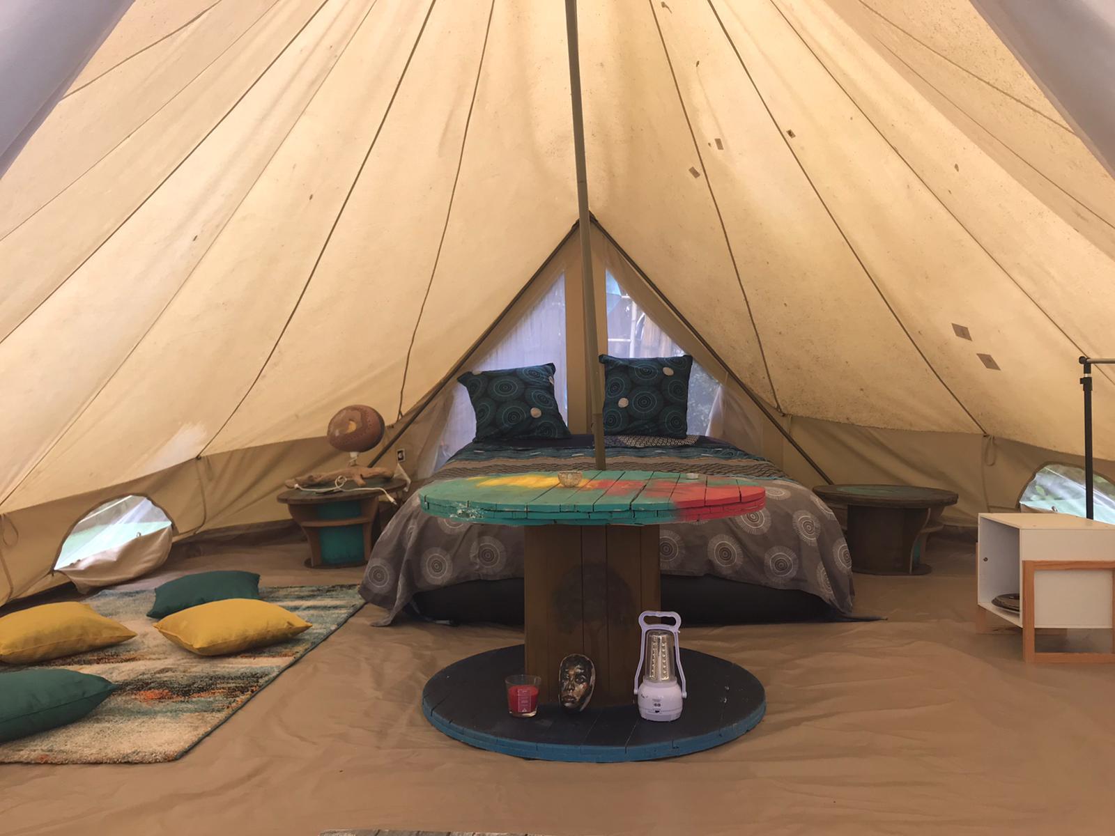 """Du """"camping glamour"""" à Saint-Joseph et à Case Pilote"""