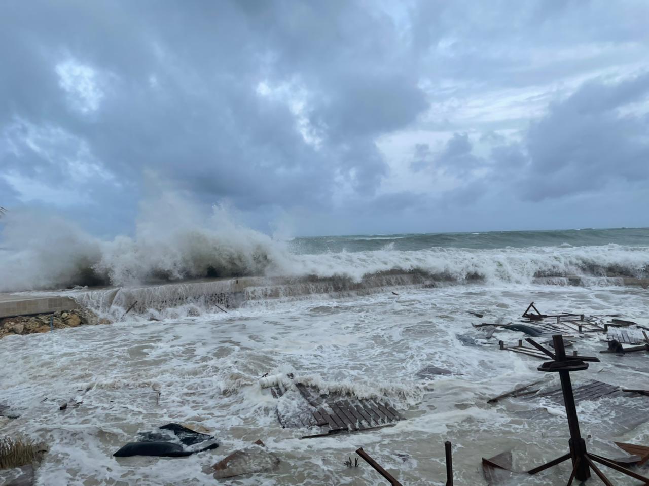 [VIDEOS] La plage de la Toubana détruite par les vagues