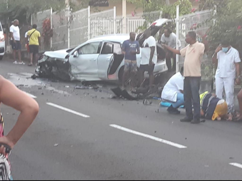Un accident spectaculaire à l'Anse à l'Ane fait plusieurs blessés