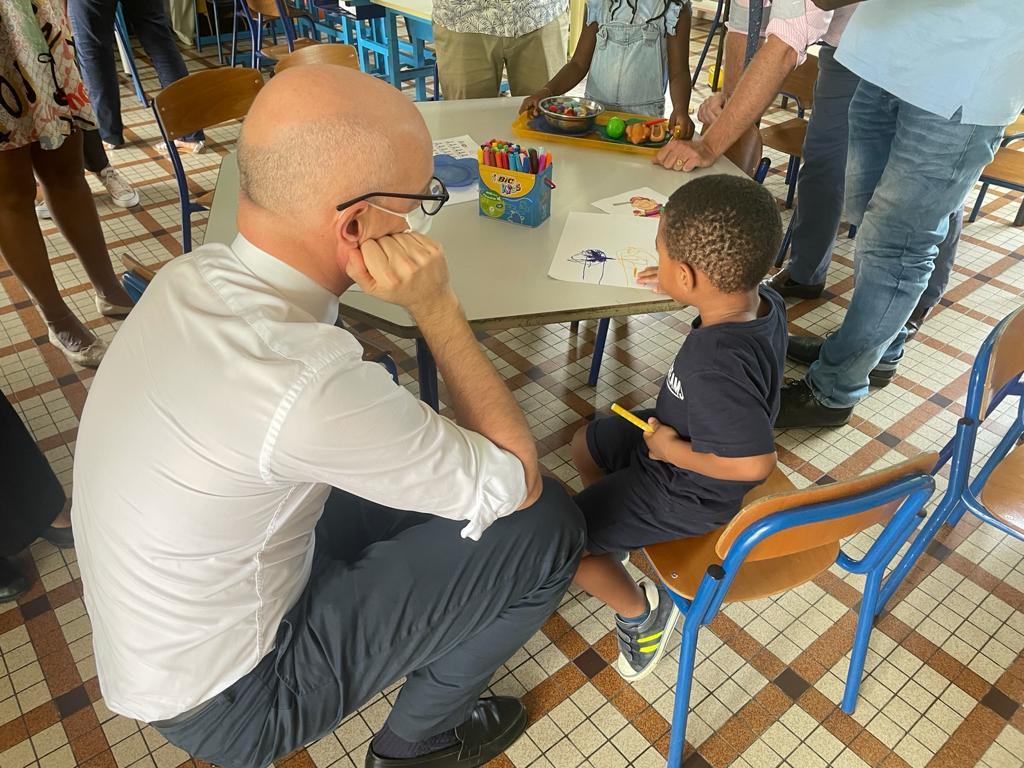 Les enfants des personnels de santé sont accueillis dans des établissements scolaires