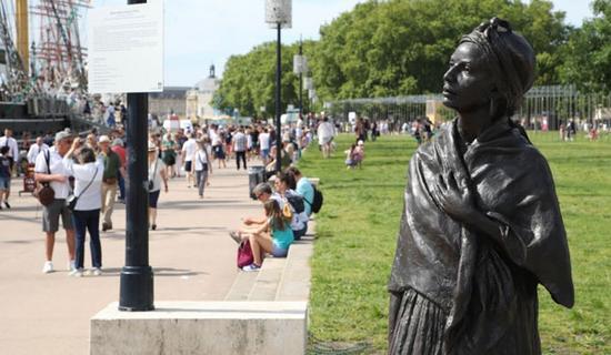 Statue dégradée à Bordeaux : il s'agissait d'un moulage artistique sauvage