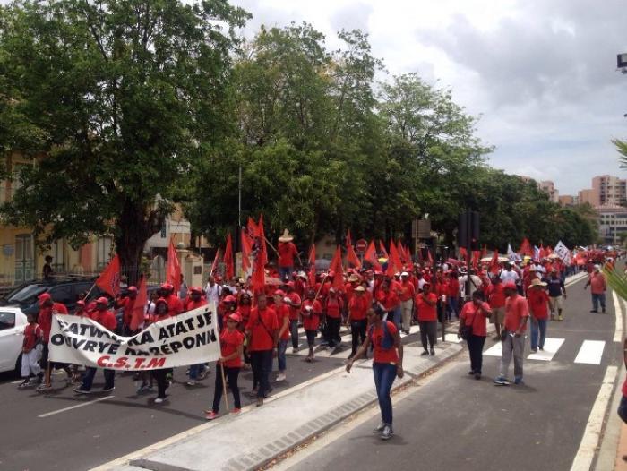 500 personnes au défilé du 1er mai à Fort-de-France