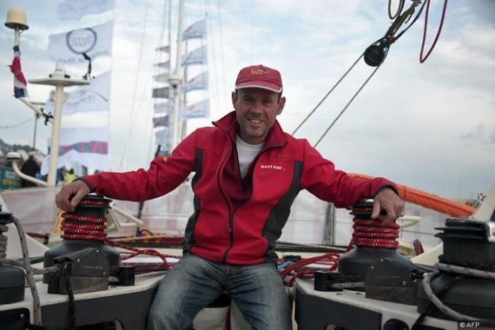 Alerte Route du Rhum : un skipper s'échoue à Terre de Bas