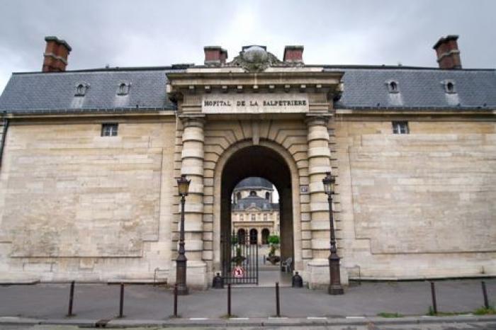 ATTENTATS DE PARIS : Pascal, aide soignant à la Pitié-Salpêtrière parle d'une situation de guerre