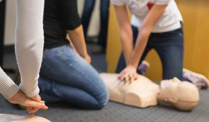 Au cœur d'une formation de sauveteur secouriste du travail (Audio)