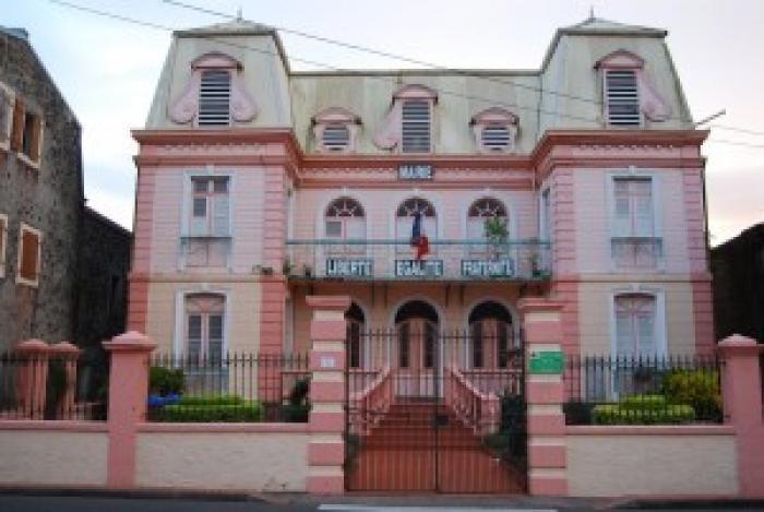 Au Saint-Esprit, rien ne va plus entre le maire et le directeur des services
