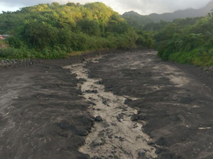 """Coulées de boues : """"Le flanc de la montage a commencé à descendre et a secoué le Mobil home"""""""