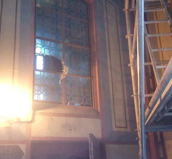 Des agents de sécurité pour surveiller la Cathédrale Saint-Louis