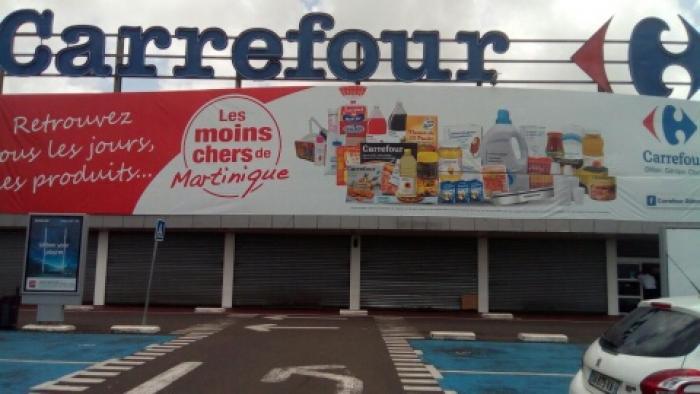 Débrayage du personnel de Carrefour Dillon