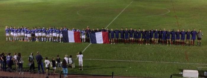 Hommage poignant aux victimes des attentats de Paris avant un match en Martinique