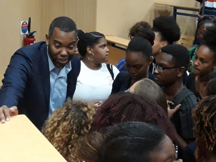 L'auteur mondialement connu Ta-Néhési Coates à la rencontre des élèves du lycée de Bellevue