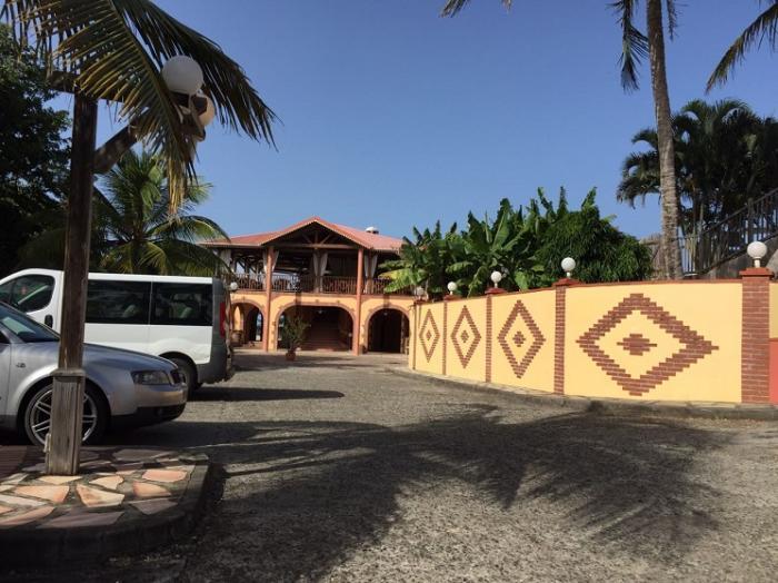 L'hôtel Macabou au Vauclin a du mal à sortir la tête de l'eau