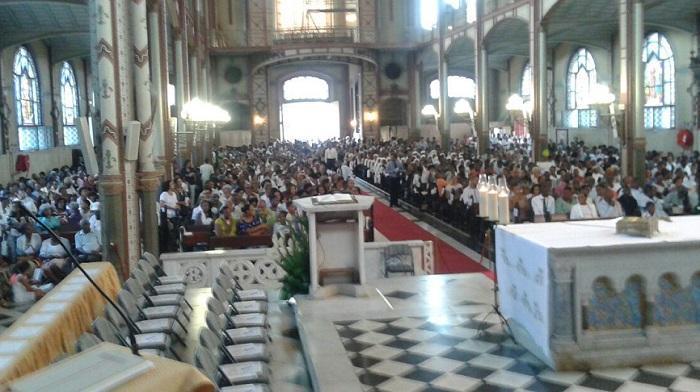 L'église catholique accueille un nouveau prêtre !