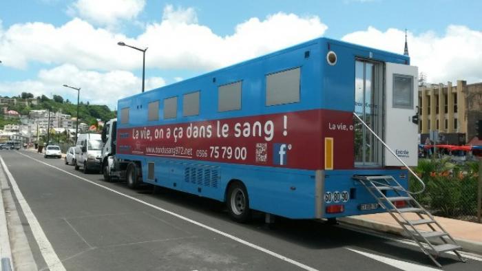 L'établissement français du sang lance une grande collecte de sang