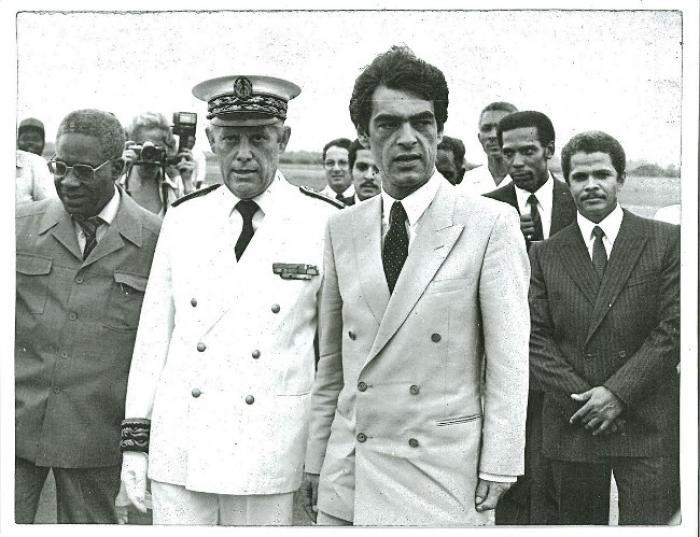 La mort d'Henri Emmanuelli : premier secrétaire d'Etat aux DOM-TOM après l'arrivée de la gauche au pouvoir en 1981