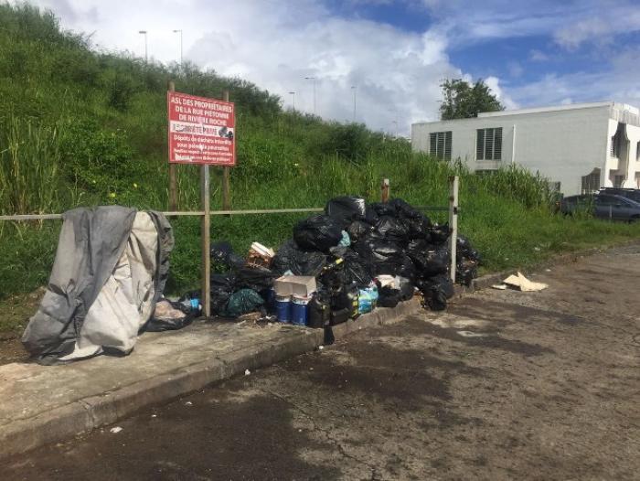 La ZAC de Rivière-Roche croule sous les ordures